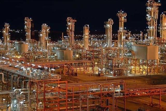 رشد نرخ نفت در زمان تحریمها برای پتروییها خنثی شد / نگرانی از شیب تند کاهش قیمت نفت