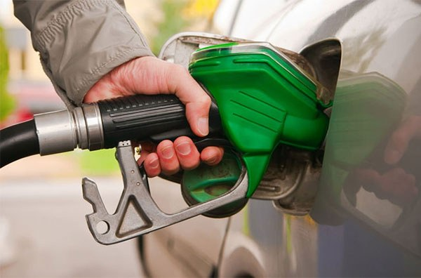 خبر خوشی که رئیسجمهور فردا اعلام میکند: ایران صادرکننده بنزین شد