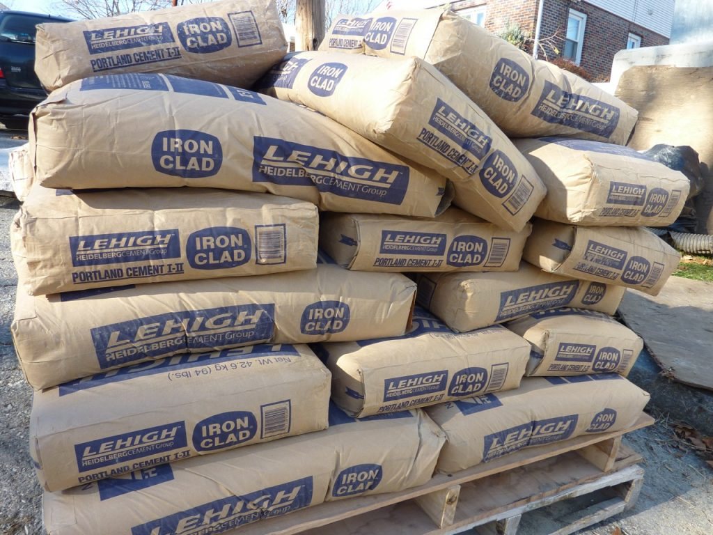 آغاز صادرات سیمان دورود به خارج از کشور