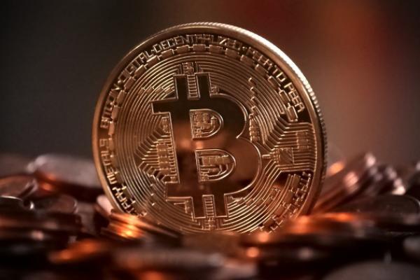 قدرت نمایی دوباره پادشاه ارزهای دیجیتال/ رشد شدید قیمت بیت کوین پس از شش ماه!