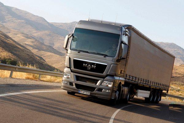 ایران و روسیه درباره تسهیل حمل و نقل جاده ای توافق کردند