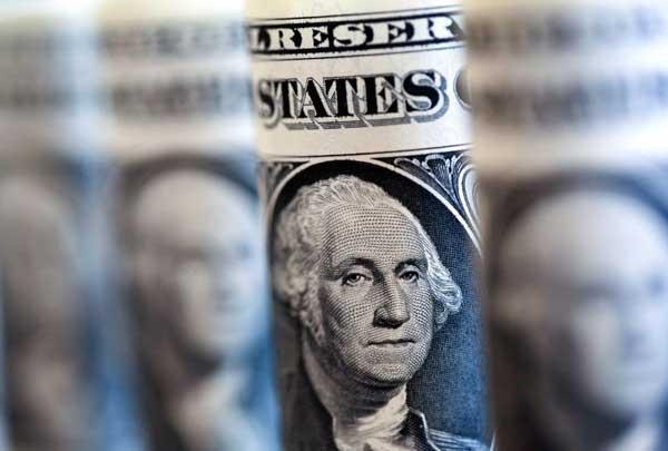 یاس مقامات دولتی نسبت به ارز ۴۲۰۰تومانی/ دلار رسمی به بن بست خورد