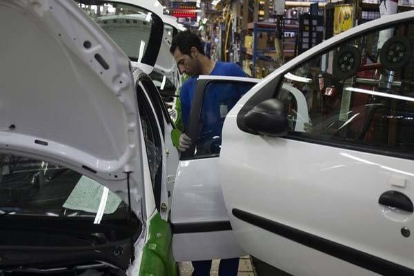 پوستاندازی خودروییها با تغییر نگاه دولت / مسئولان «بازار» را رصد نمی کنند