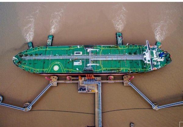 افزایش جریان نفت ایران و ونزوئلا به چین در پی تحریمهای آمریکا