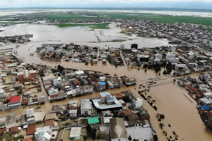 بیمه ایران خسارت منازل تخریبی در سیل آق قلا را جبران می کند
