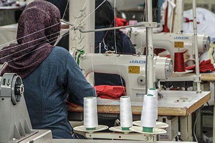 پیشنهاد معافیت از پرداخت حق بیمه سهم کارفرما در صورت جذب زنان سرپرست خانوار