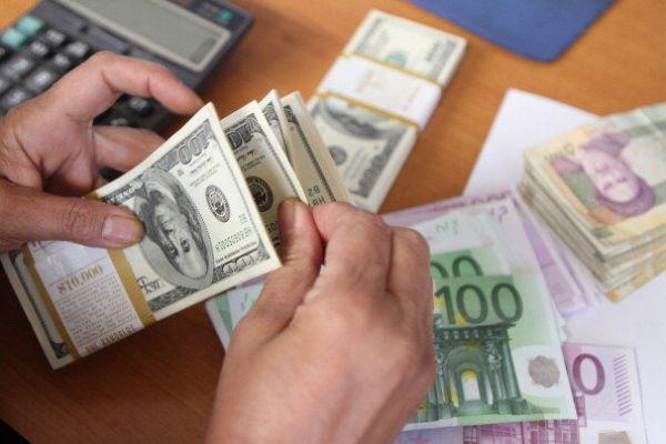 قیمت خرید دلار در بانکها امروز ۹۸/۰۱/۲۷