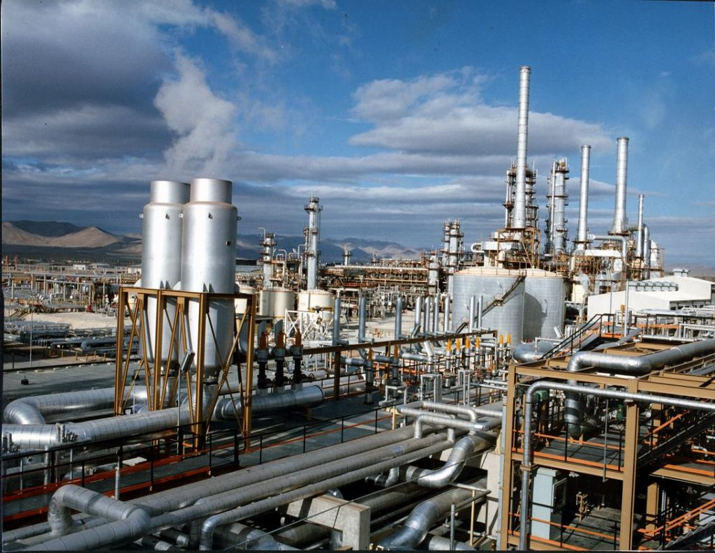 سهام ۳ شرکت پتروشیمی در بورس عرضه میشود/آخرین وضعیت طرحهای جمع آوری گازهای مشعل