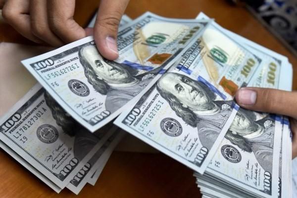 عدم توجه دلار به اخبار سیاسی