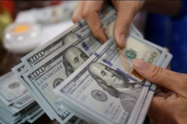 اولین نزول هفتگی دلار ۹۸