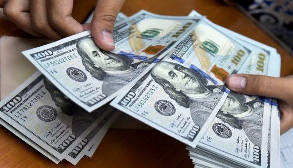 قیمت سکه کاهش یافت / استراحت آخر هفته دلار