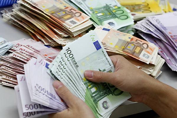 سمیعی: منتظر گرانی دلار نباشید