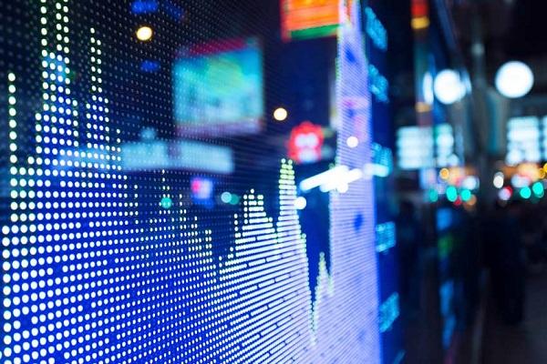 در حاشیه بازار / گام سوم «واتی» در کانال صعود