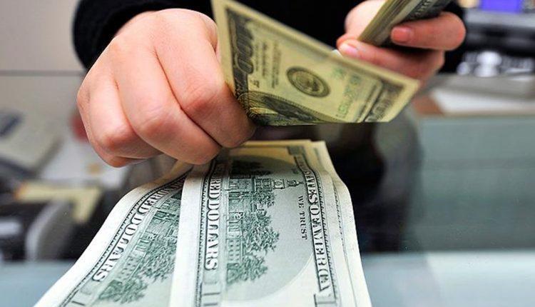 دلار در ماه رمضان چه میشود؟ / مهمترین ریسک پیش روی بازار ارز
