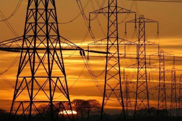 تدوین برنامه سه ساله برای بازسازی صنعت برق عراق