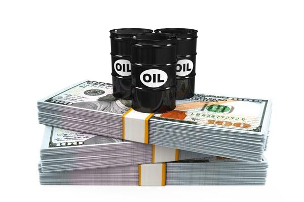 نفت ۱۰۰ دلاری بر سر زبانها