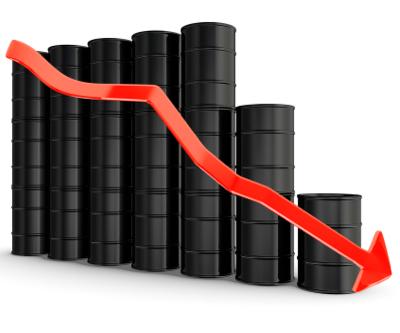کاهش ۳ درصدی قیمت نفت/ شایعات معافیت  چین برای واردات نفت از ایران