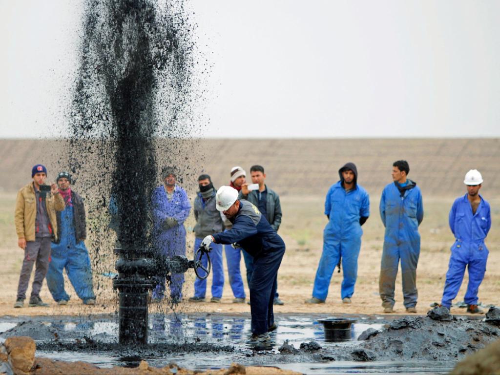 آسوشیتدپرس: تحریمهای آمریکا هزینه خرید نفت خام را برای هند بالا برده است
