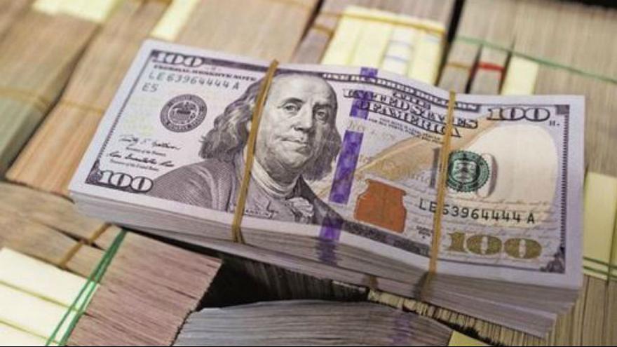 سقوط دلار به زیر مرز روانی