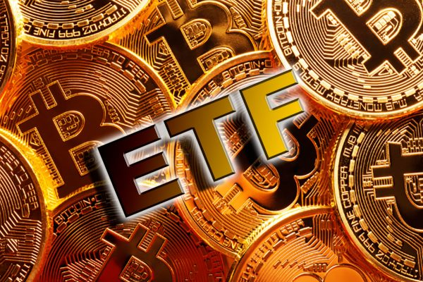 بلاتکلیفی کمیسیون SEC در مورد ETF بیت کوین؛ نتیجه چه خواهد شد؟!