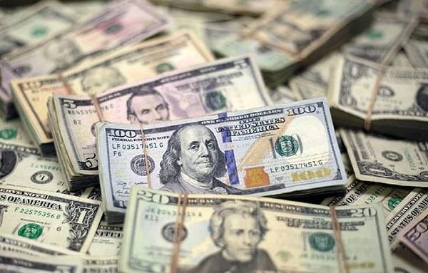 چرا قیمت دلار در حال کاهش است؟