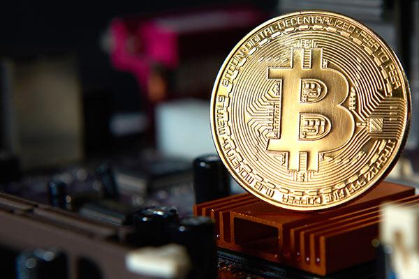 دکتر ران پاول: دلار در حال خودتخریبی است و ممنوعیت بیتکوین از این امر جلوگیری نخواهد کرد