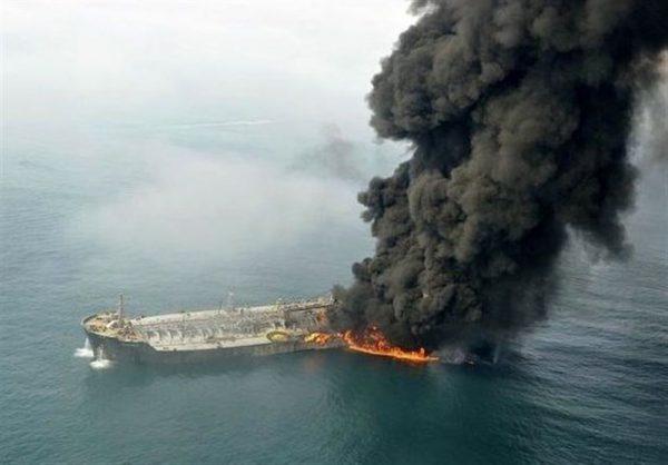 نفتکشهای آسیبدیده نزدیک امارات بررسی میشوند