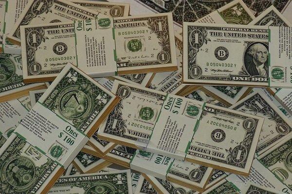 سایه معاملات جعلی بر سر دلار