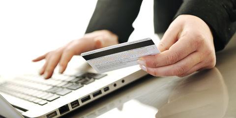 بررسی مشکل مسدودی کامل حساب کسب و کارهای اینترنتی