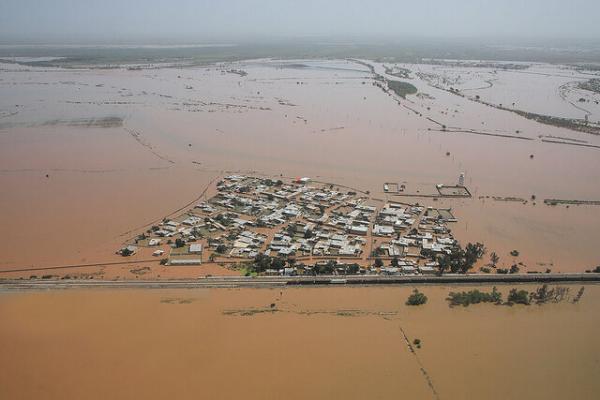 1300 فقره وام بانک صادرات برای سیلزدگان خوزستان و لرستان