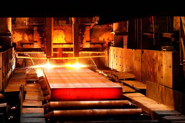 قیمت های جهانی، بازار فولاد را منفی کرد