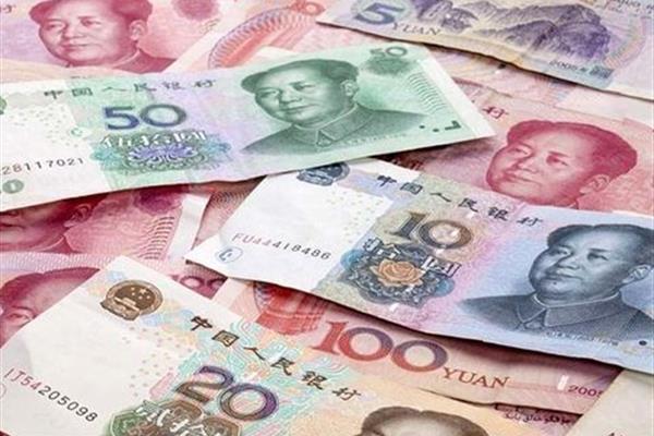چین با جهانی کردن یوان سلطه دلار امریکا را به چالش میکشد