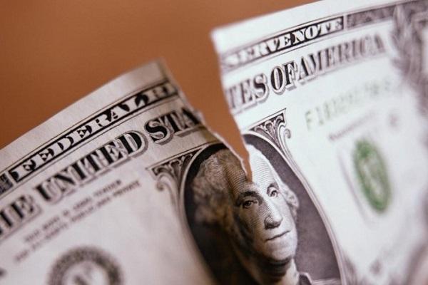 حذف دلار از مبادلات بینالمللی ساختار سیاسی جهان را تغییر میدهد