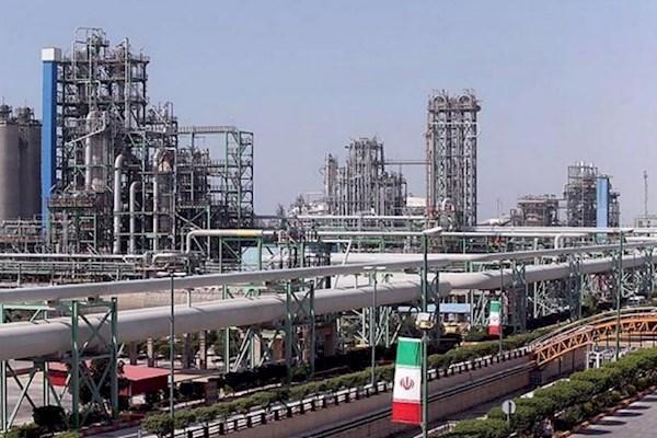 تحلیلگران اقتصادی: تحریمهای آمریکا تاثیر چندانی بر صنعت پتروشیمی ایران نخواهد داشت