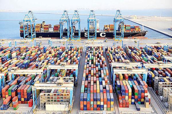 وعده کاهش چشمگیر قیمت کالاهای وارداتی طی ماه های آینده