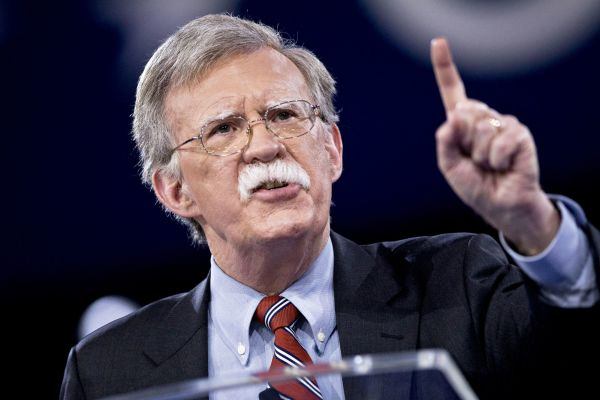 بولتون بار دیگر خواستار اعمال فشار بر ایران شد