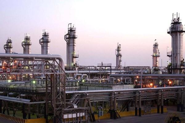 روسیه: امریکا تاسیسات نفتی سوریه را غارت میکند