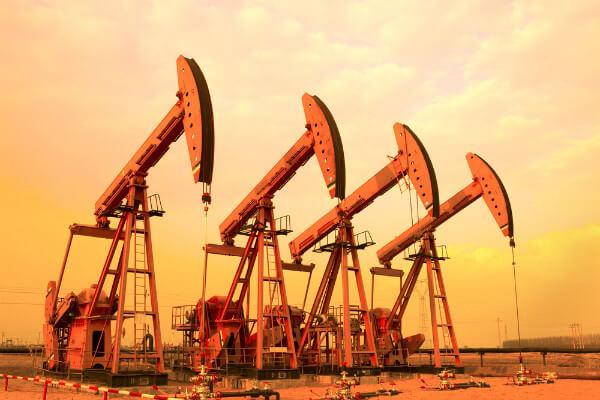 فاز متفاوت نفت در بازارهای جهانی