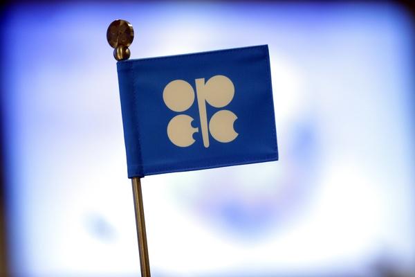 سهم اوپک از بازار نفت سال اینده کاهش می یابد