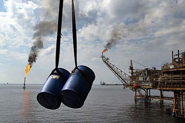 تولید نفت ایران 100 هزار بشکه در روز کاهش یافت