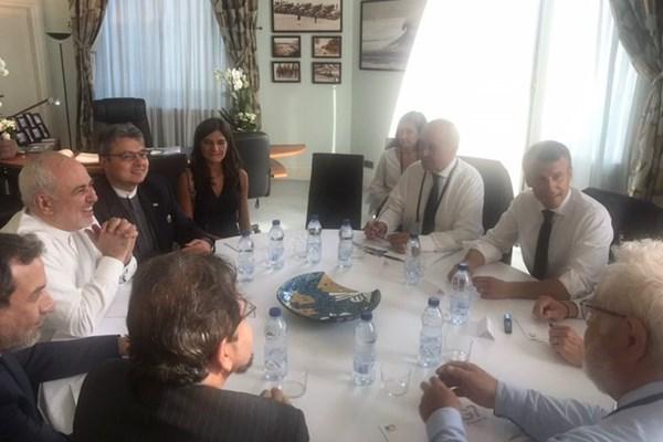 فرانسه: دعوت از ظریف با توافق و هماهنگی کامل امریکا انجام شد