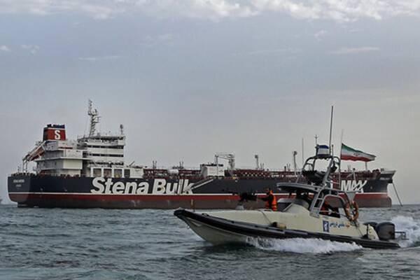 آمریکا ایران را به ایجاد اختلال در کشتیرانی متهم کرد