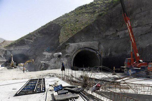 وزیر راه: ازادراه تهران – شمال قبل از زمستان افتتاح میشود
