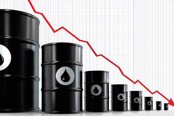 کاهش قیمت نفت پس از کاهش نرخهای بهره امریکا