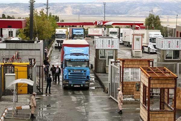 ارزش صادرات کالا از مرز بازرگان ۳ برابر شد