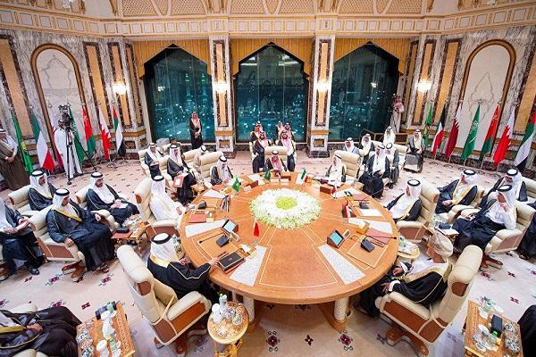 پنس: کشورهای عربی را علیه ایران متحد کردیم