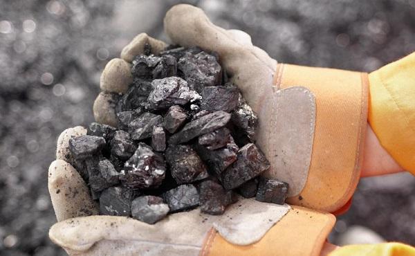 ادامه کاهش قیمت جهانی سنگ آهن و فولاد