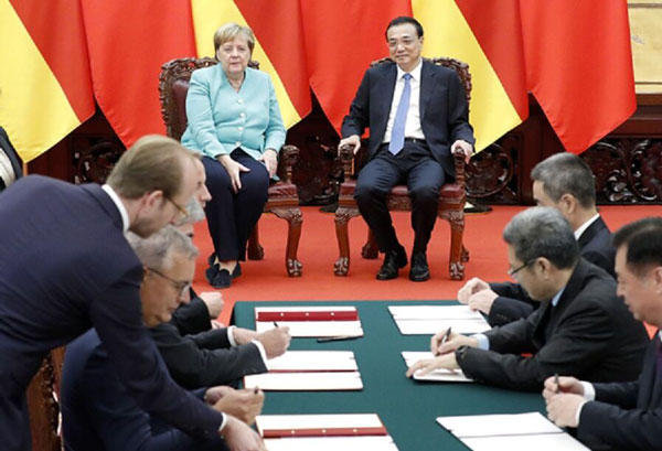 نخست وزیر چین: بیگانگان در امور هنگ کنگ دخالت نکنند