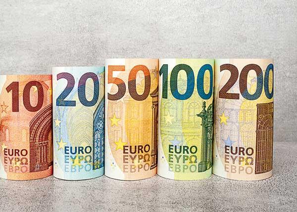 ارزش یورو به پایینترین رقم طی 16 ماه گذشته رسید
