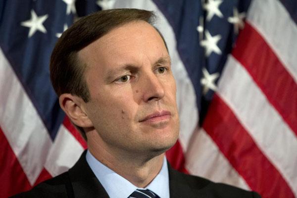 سناتور آمریکایی اتهامات پمپئو علیه ایران را بیخردانه دانست